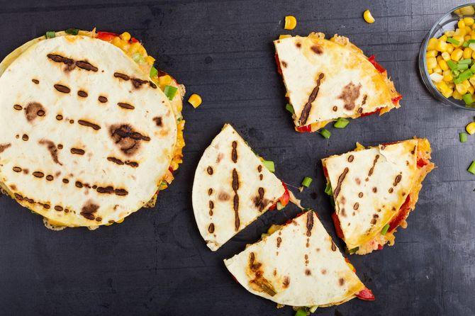 Pourquoi ne pas tester des quesadillas ou des tortillas pour votre barbecue veggie ?