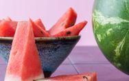 Wassermelone schneiden: Mit dieser Anleitung geht's ganz leicht