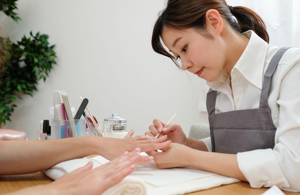 Cos'è e come si fa la manicure giapponese? Tutorial step by step