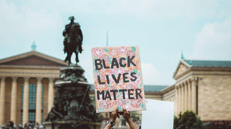 États Unis : la police tire à sept reprises dans le dos d'un homme noir