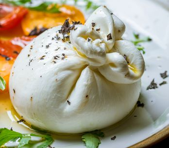 Burrata : 5 idées sympa pour la cuisiner !