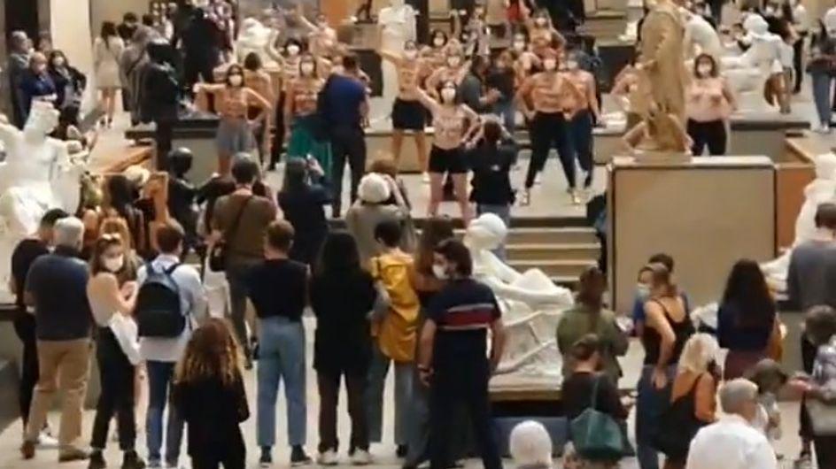 Refus d'entrer à cause d'un décolleté : les Femen investissent le Musée d'Orsay
