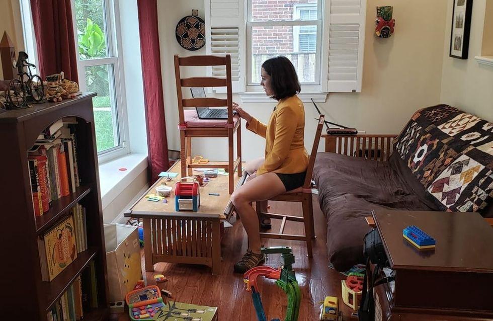 L'incroyable photo de cette scientifique en télétravail pendant son interview par CNN va parler à tous les parents