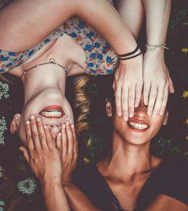 Canzoni sull'amicizia: i 10 brani più belli da dedicare agli amici