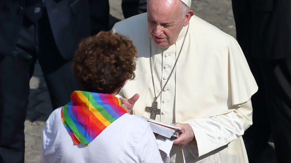 """""""L'Église aime vos enfants tels qu'ils sont"""", le message du pape François à des parents d'enfants LGBT+"""