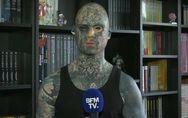 Discriminé à cause de ses tatouages, ce professeur des écoles risque de ne plus