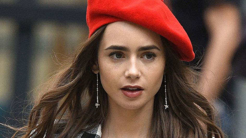 """""""Emily in Paris"""" : à peine sortie, la série Netflix fait marrer les internets"""