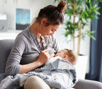 Positions d'allaitement : laquelle adopter pour donner le sein à bébé ?