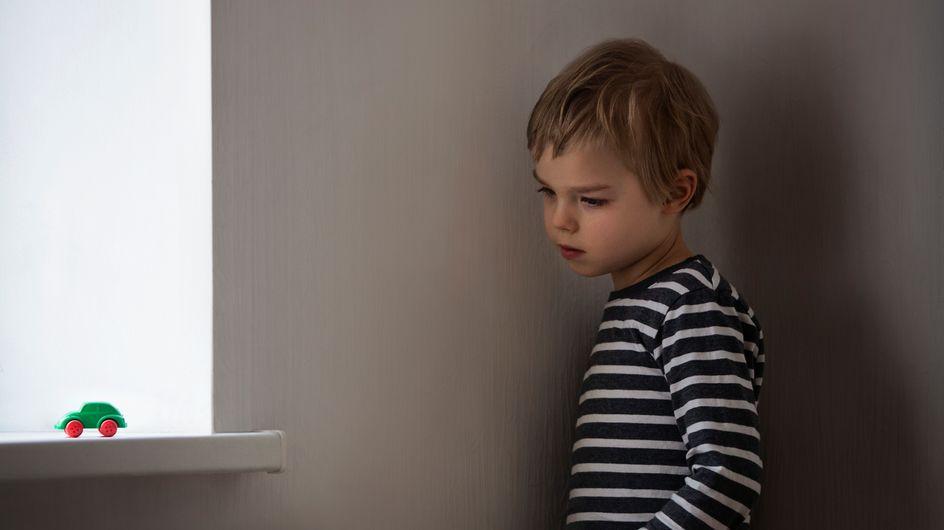 «Agir tôt» : voilà comment les parents peuvent désormais repérer les premiers signes d'autisme plus rapidement