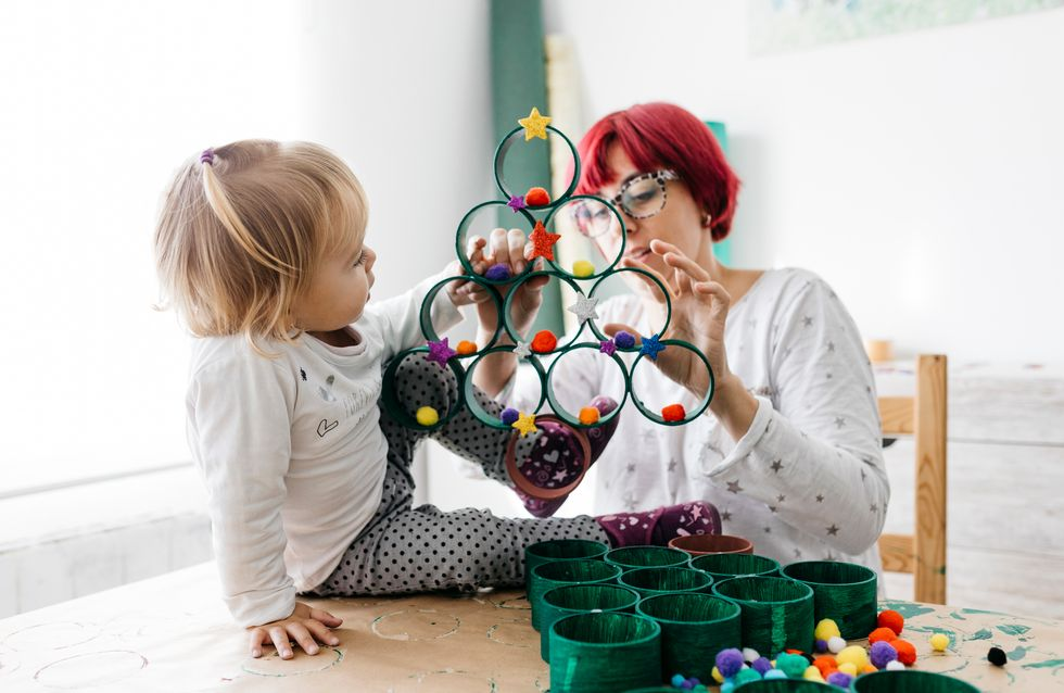 6 idées d'activités manuelles faciles et rigolotes pour un enfant de 2 ans