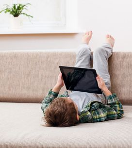 8h49, c'est le temps passé quotidiennement par les enfants devant un écran penda