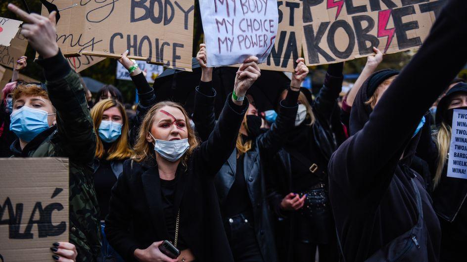 Abtreibungsverbot in Polen: So zeigt ihr jetzt Solidarität
