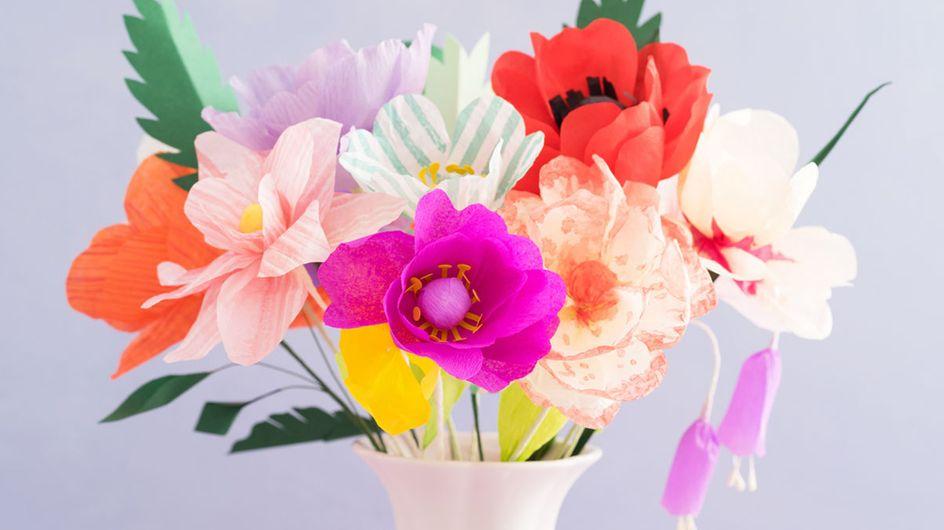 Papierblumen basteln: Anleitung für einen Strauß aus Buchseiten