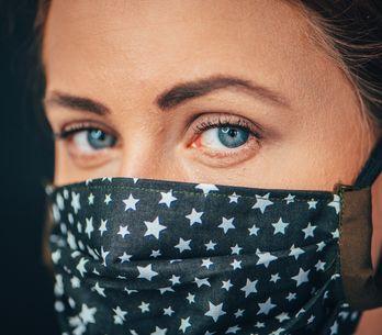 Maskne: che cos'è e come combattere l'acne da mascherina