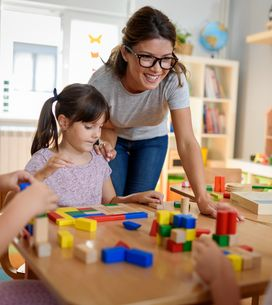 Tagesmutter: chi sono le tate che ospitano un asilo in casa