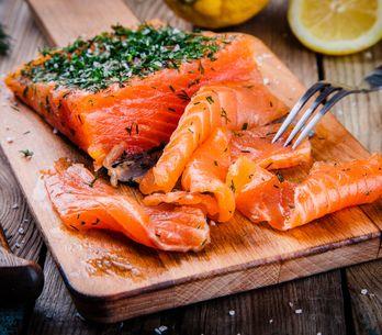 Nos conseils pour préparer un saumon gravlax maison à Noël