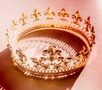 Qu'est-ce que le queening, cette pratique sexuelle qui donne le pouvoir aux fe