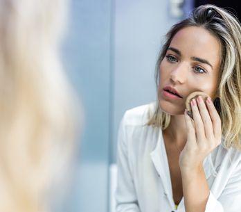 Make-up für trockene Haut: Diese Foundations halten sie geschmeidig