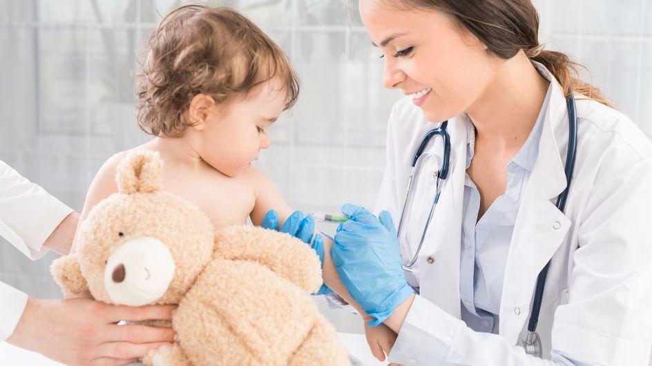 Primo vaccino neonato: a cosa serve e quando si fa il vaccino esavalente