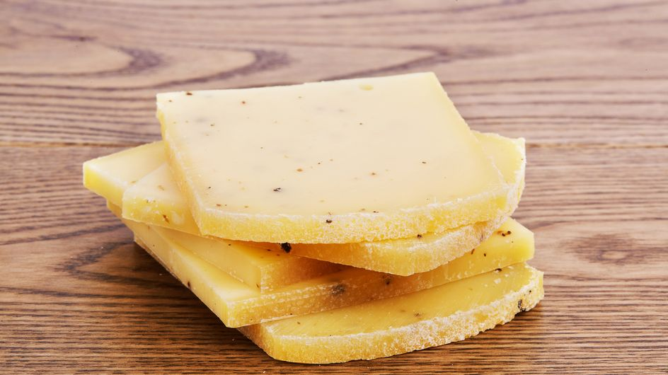 Confinement : les producteurs craignent une pénurie de fromage à raclette