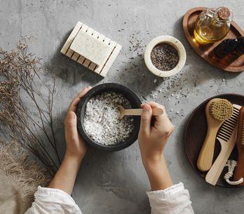 Scrub cuoio capelluto: 4 ricette fai da te da provare a casa
