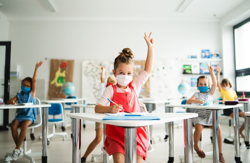 Trois psys s'inquiètent du port du masque chez les enfants à l'école