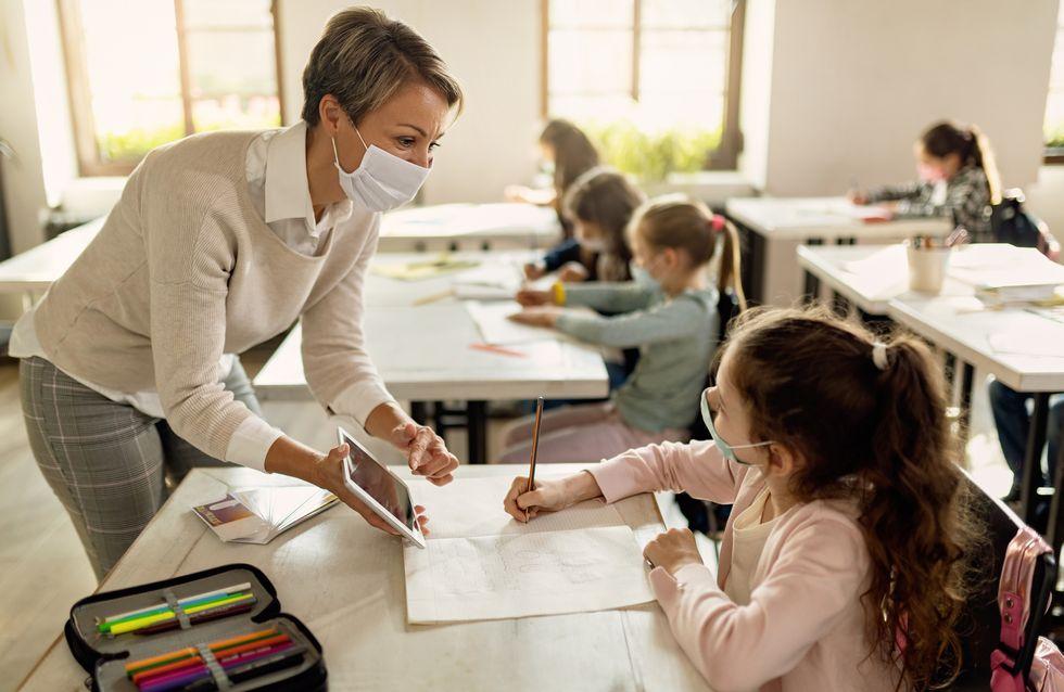 """""""Merci maître.sse !"""" : 10 petits cadeaux de Noël à offrir à l'enseignant.e de votre enfant"""