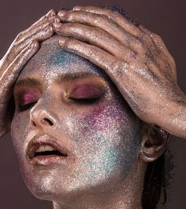 Maquillage ou vernis pailleté : comment les retirer facilement ?