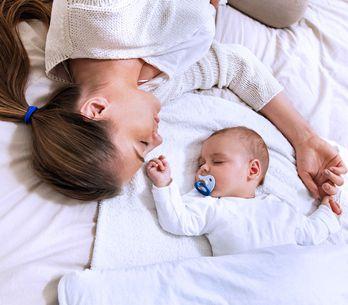 Bambini e il sonno: tutti i consigli utili per far dormire vostro figlio di nott