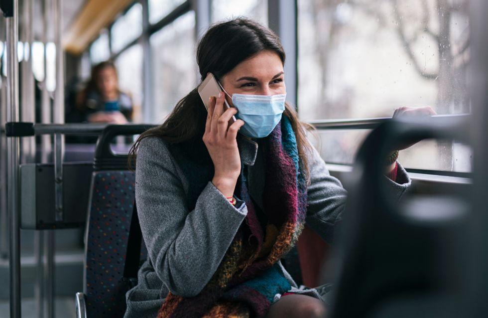 Ohne Maske unterwegs: Influencer werden aus dem Zug geworfen