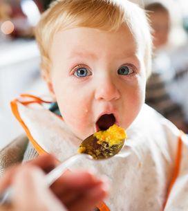 Svezzamento del neonato: a quanti mesi, con quali alimenti e come iniziare a sve