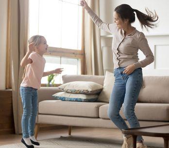 Giochi da fare in casa: attività divertenti e idee per intrattenere i bambini da