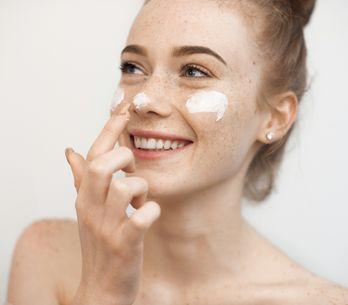 Skin care routine: perché è importante farla e gli step da seguire per ottenere