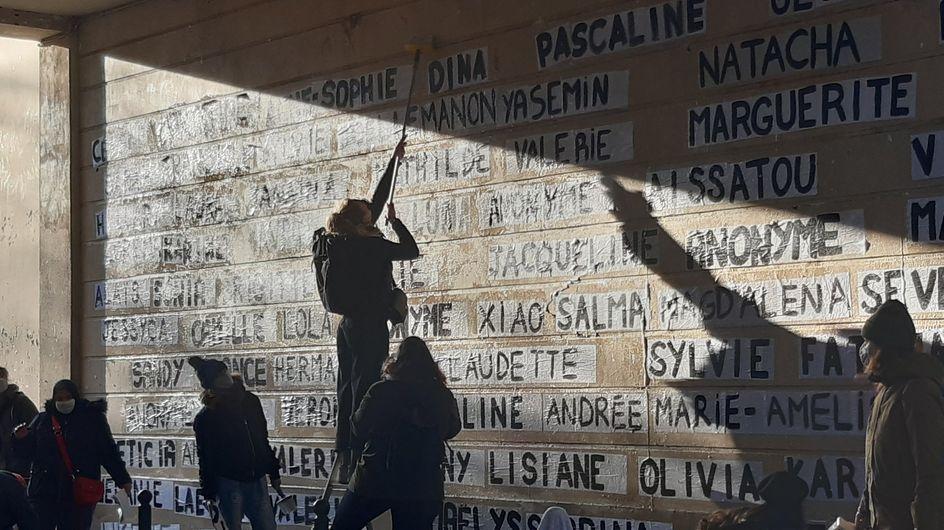 Un mémorial pour les 111 victimes de féminicides en 2020 (photos)