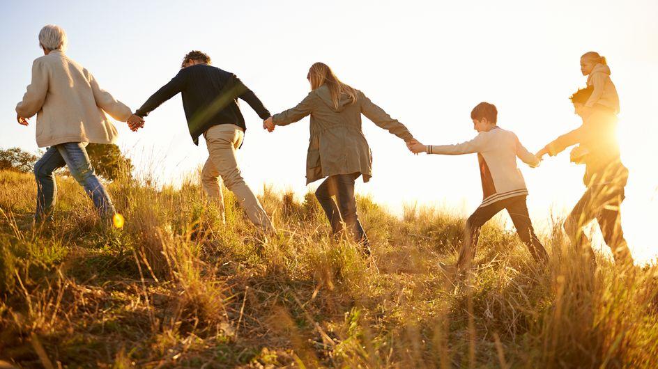 Famiglia allargata: cosa significa? Vantaggi e problemi che possono sorgere