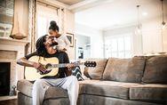 Canzoni dedicate ai figli: la top7 di artisti italiani e stranieri