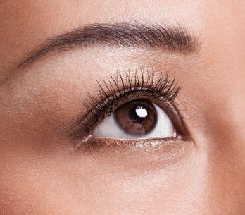 Occhi infossati: come truccarli per farli risaltare