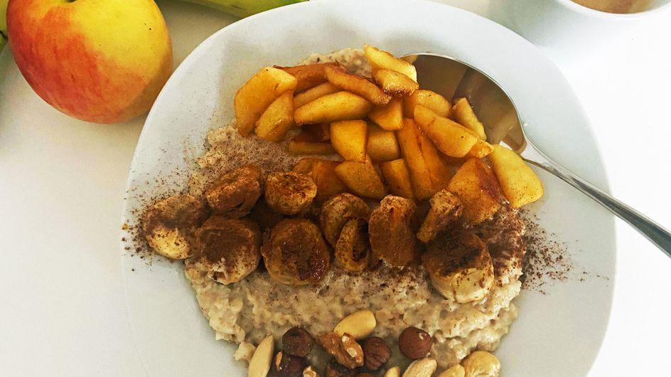 Kalorienarmes Frühstück: Porridge mit karamellisierten Äpfeln & Zimt
