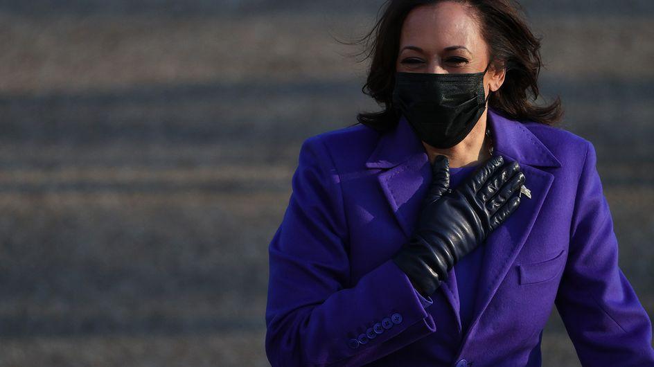 Pourquoi Kamala Harris portait un manteau violet lors de l'investiture ?