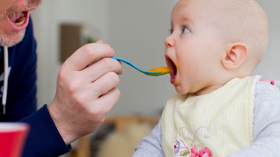 Diversification alimentaire : tout ce qu'il faut savoir sur ce changement intervenant aux 4 mois de bébé
