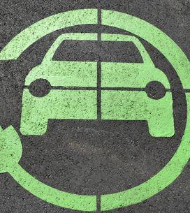 Come si guida un'auto elettrica: i nostri consigli