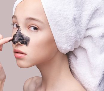 Découvrez tous les bienfaits du charbon actif pour la peau !