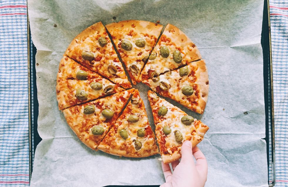 Backpapier-Ersatz: Mit diesen 5 Alternativen gelingen dir Pizza, Pommes & Co.