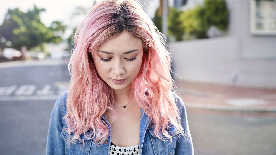 Ansatzpuder: Damit kannst du deinen Haaransatz selber färben!