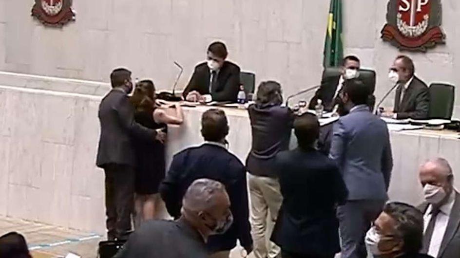 Cette députée brésilienne subit une agression sexuelle en plein Parlement, la scène choquante filmée