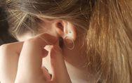 Piercing all'orecchio: come si fa e quando disinfettarlo per evitare infezioni