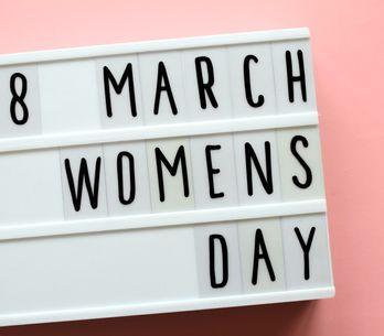 Frasi per la festa delle donne: scegli la più adatta da dedicare!