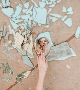 Specchio rotto: quando nasce questa credenza e come scongiurare i 7 anni di sfor
