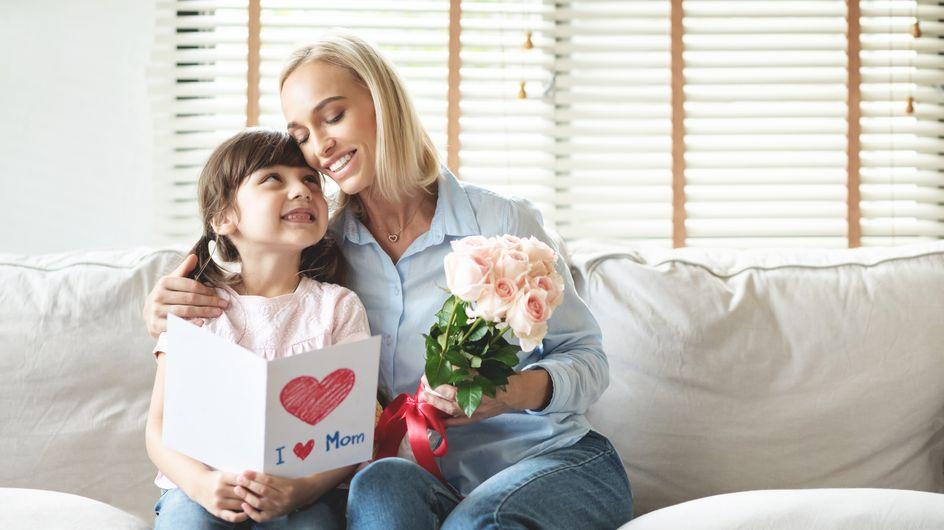Frasi per augurare buon onomastico alla mamma: le più belle