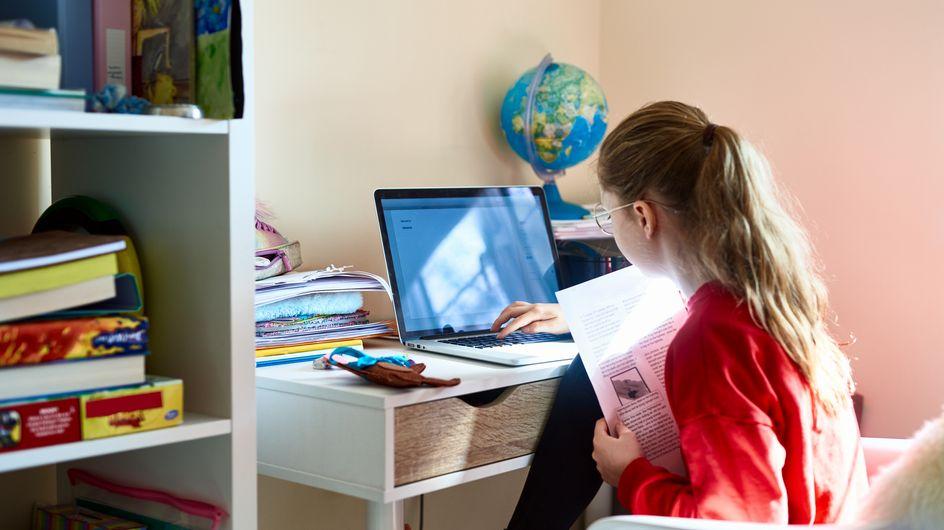 École à la maison : toujours la galère pour les familles avec encore des problèmes de connexion